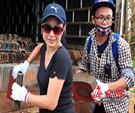 爱心人士给演丰镇龙头村捐赠房屋瓦片,帮助村民修复受损房屋